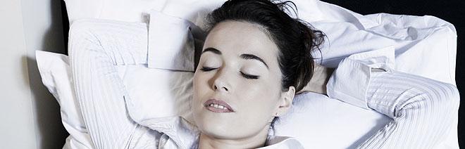 mulher boa noite de sono