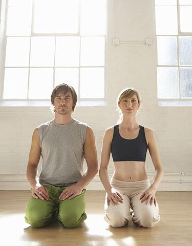 sexo e ioga, mulher e homen