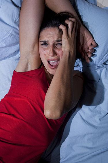 pesadelo, terror noturno na mulher